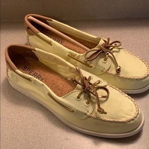 Yellow Sperry's size 9